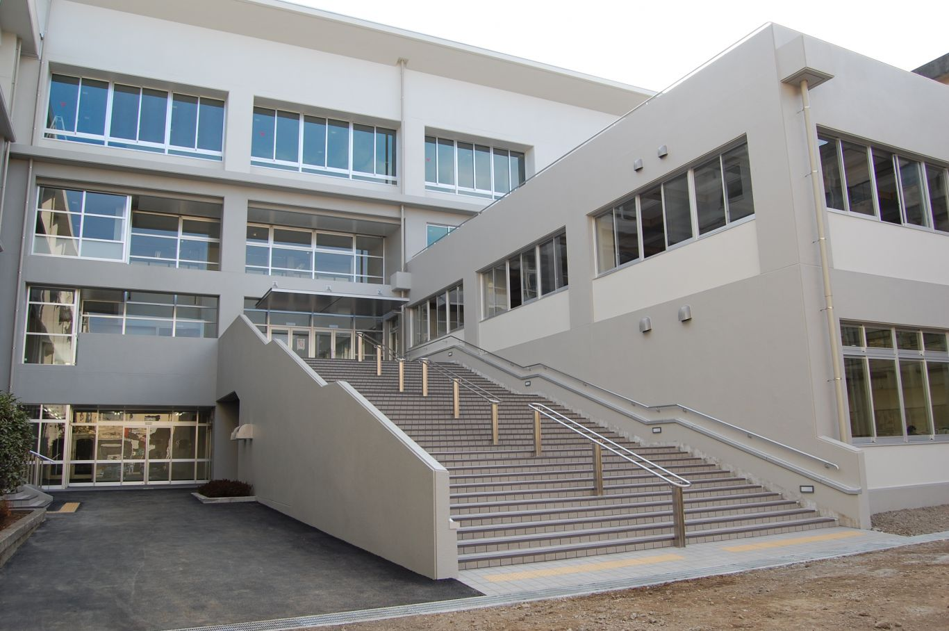 厚木清南高校第二棟改修